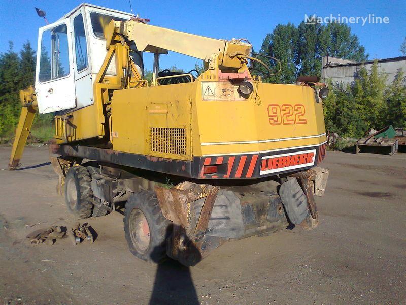 LIEBHERR 922 pelle sur pneus pour pièces de rechange