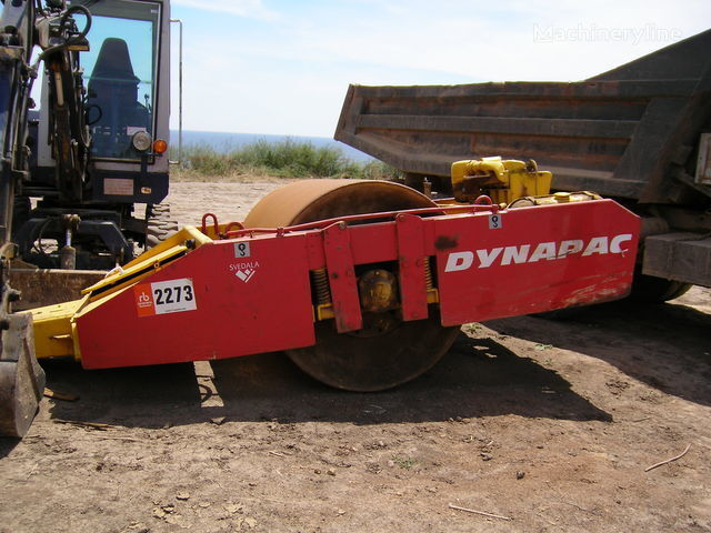 DYNAPAC rouleau tracté