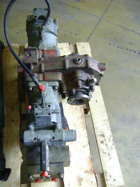 boîte de vitesses pour KOMATSU Pw 130  excavateur