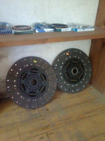 KAWE Holland 1878000948 , 21593944 , 85000537 , 7420707025 , 20525015 disque d'embrayage pour VOLVO FH 12  tracteur routier neuf