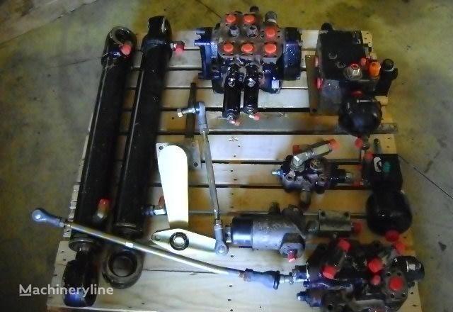 distributeur hydraulique pour FIAT-HITACHI  W 230 chargeur sur pneus