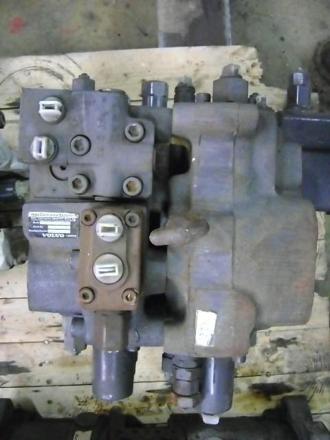 distributeur hydraulique pour VOLVO 210 B excavateur