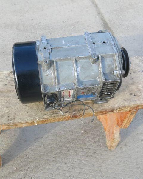 Karier. Carrier Generator holodilnoy ustanovki Karier.Carrier génératrice pour Carrier semi-remorque