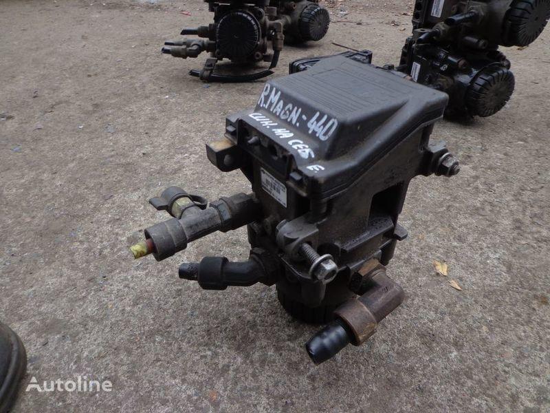 Knorr-Bremse grue pour RENAULT Magnum camion