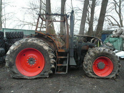 b/u zapchasti / used spare parts pièces de rechange pour CLAAS ARES 836 tracteur