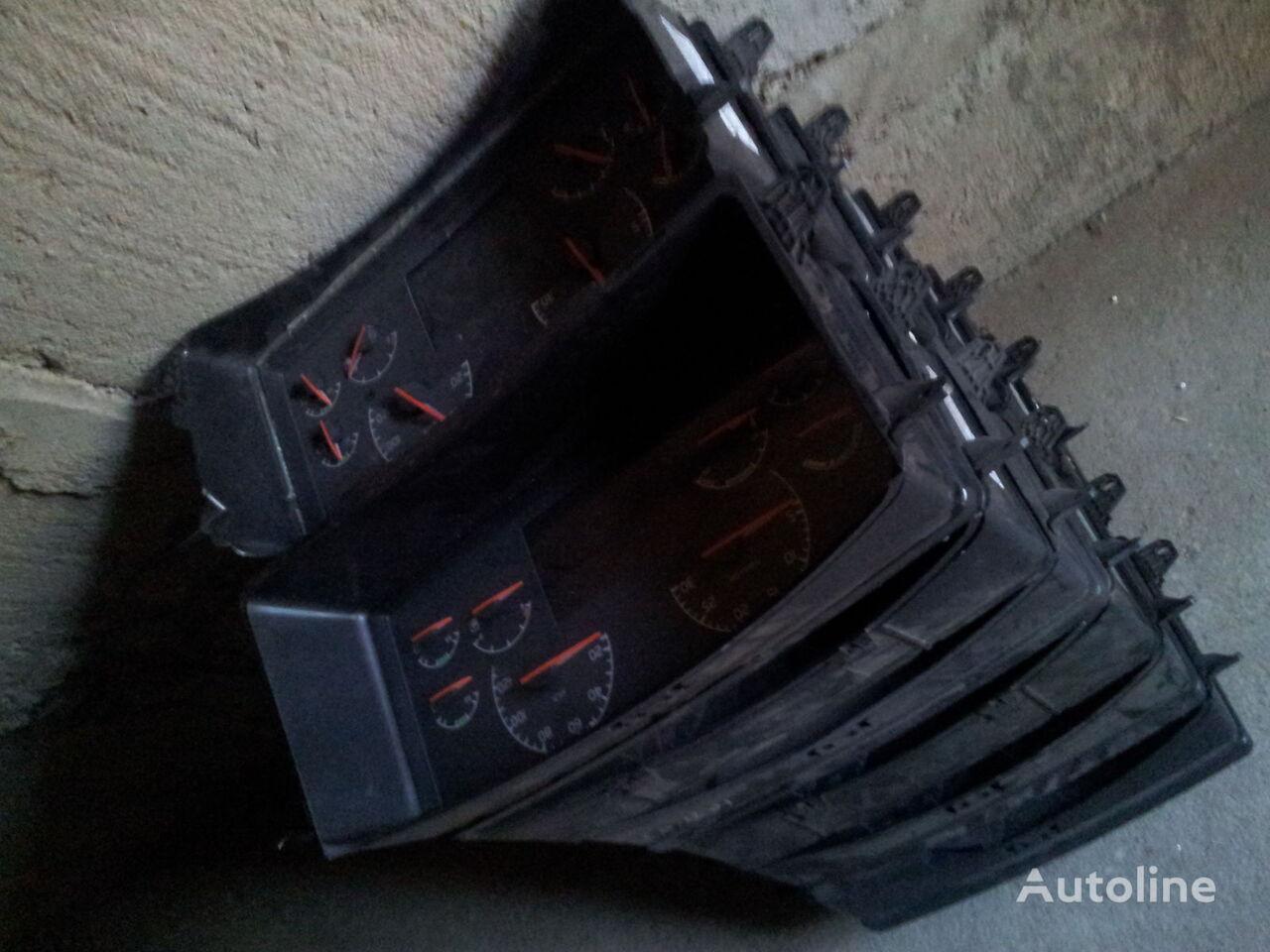 VOLVO FH12, FH13, combination kit 21842984 cluster, instrument cluster, 21542185, 21542194, 21542195, 21842984, 85135219, 85131298, 21842985, 85135219, 85131298, 21842994, 85135219, 85131298 planche de bord pour VOLVO FH13 tracteur routier