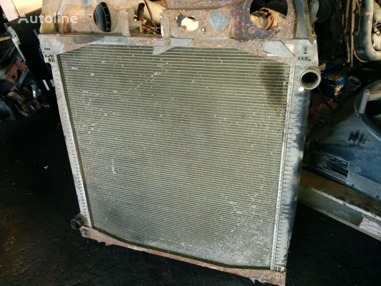SCANIA radiateur de refroidissement pour SCANIA 124 tracteur routier