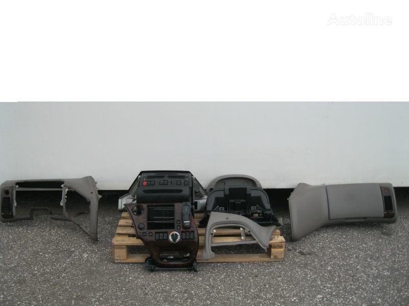 PRZEKŁADKA PRZERÓBKA KABINY Z ANGLIKA revêtement pour DAF XF 105 tracteur routier