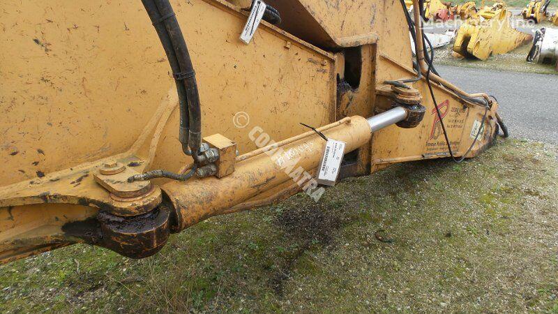 vérin hydraulique CASE Verin de deport pour excavateur CASE CX210B