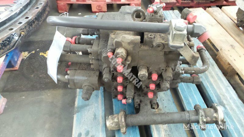 distributeur hydraulique VOLVO Distributeur pour excavateur VOLVO EC210C