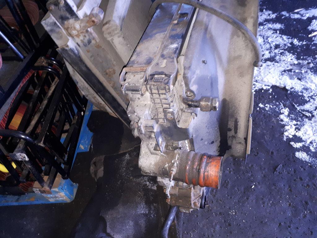 radiateur de refroidissement SCANIA pour tracteur routier SCANIA VEST/ 124