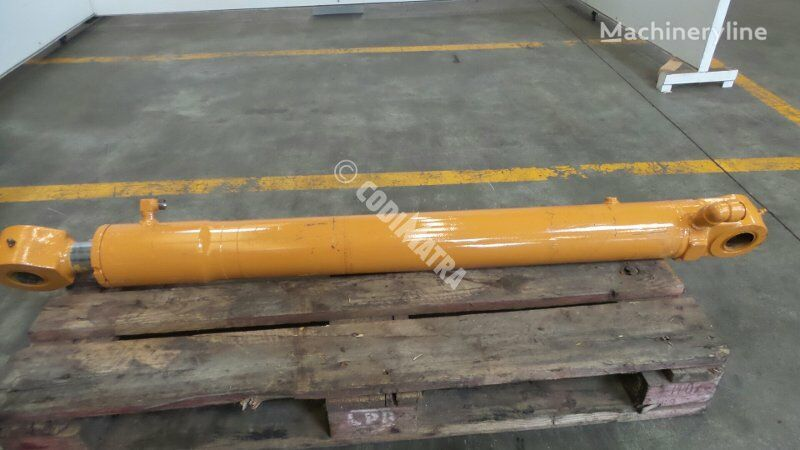 vérin hydraulique CASE Verin de balancier pour excavateur CASE 9007